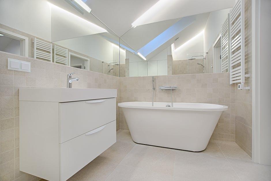 ładne płytki które idealnie pasują do łazienki