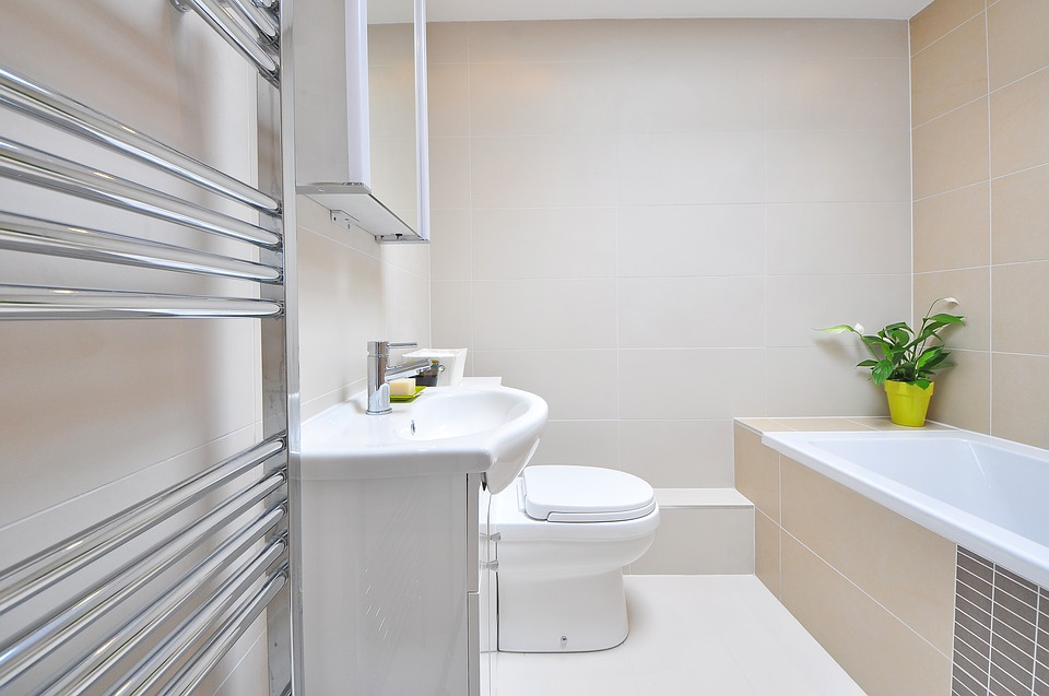 praktyczne półka łazienkowa